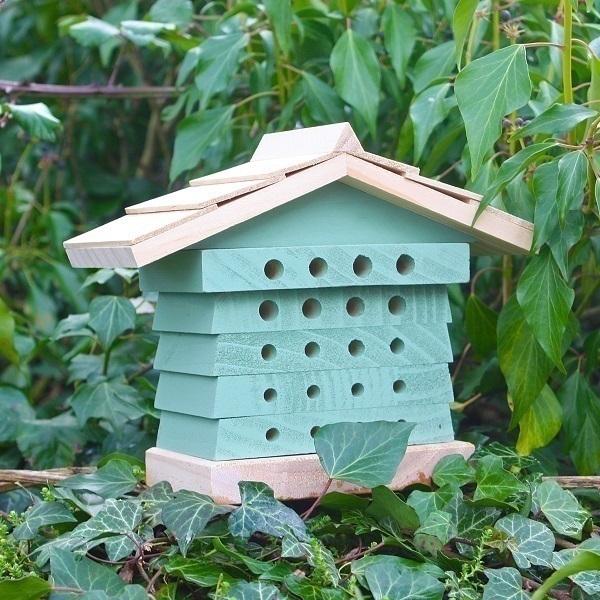 Maison abeille solitaire wildlife world acheter sur for Anti puceron maison