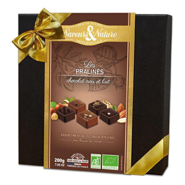 Saveurs & Nature - Coffret assortiment de pralinés au chocolat noir et lait 125g