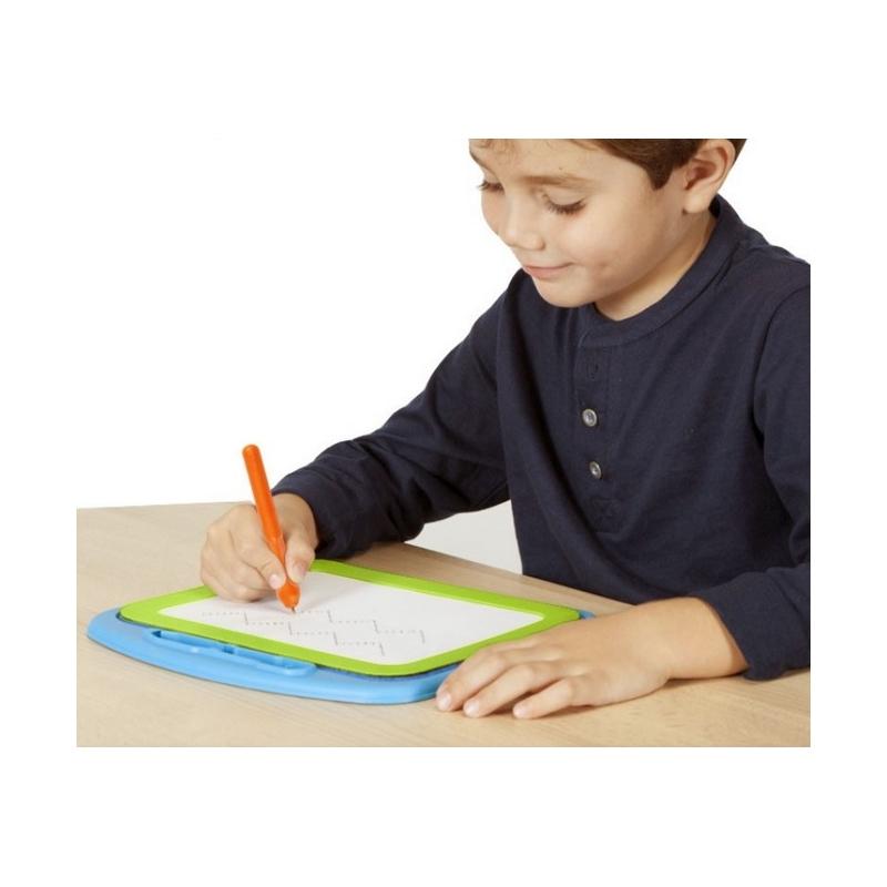AKROS - Ardoise de pré-écriture avec poinçon