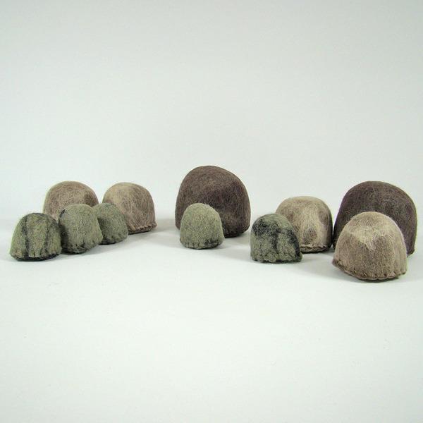 PAPOOSE TOYS - Monde des Dinosaures en laine feutrée - 10 Rochers