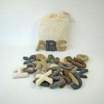 PAPOOSE TOYS - Alphabet en laine feutree - les majuscules