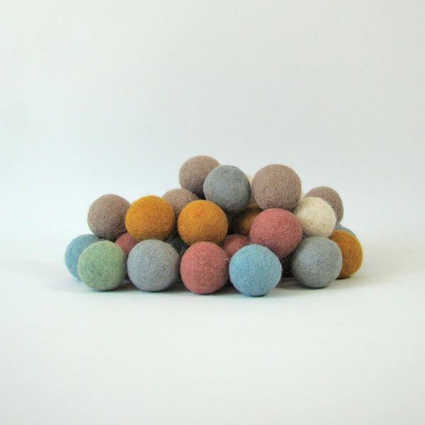 PAPOOSE TOYS - Balles 3,5 cm en laine feutrée Earth - set de 49
