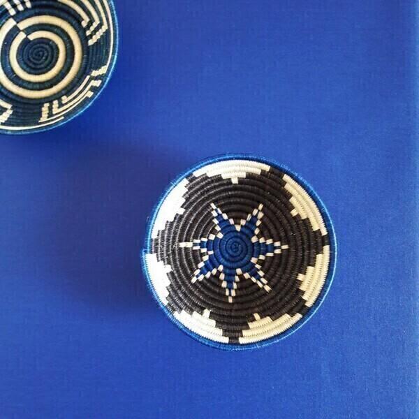 Fleur de Soleil - Nappe enduite Unie bleu royal - Rectangle 160x300cm