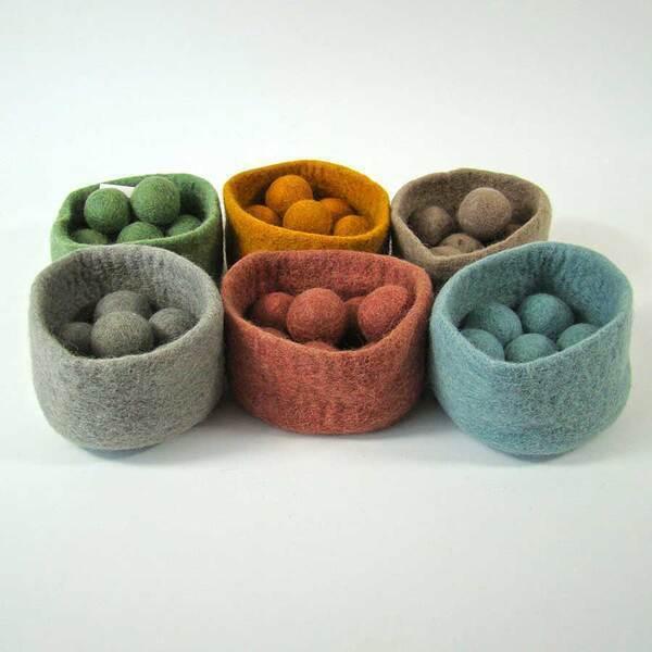 PAPOOSE TOYS - Bols et balles en laine feutrée Earth - set de 6