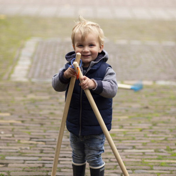 Kids in the garden - Balai enfant