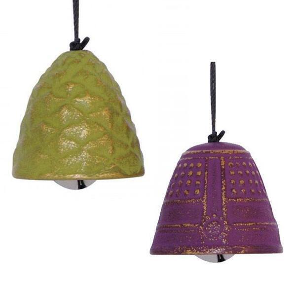 Aromandise - 2 jouets du vent en fonte vert et violet