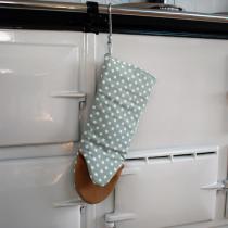 Ochre & Ocre - Kochhandschuhe, grün mit weißen Punkten