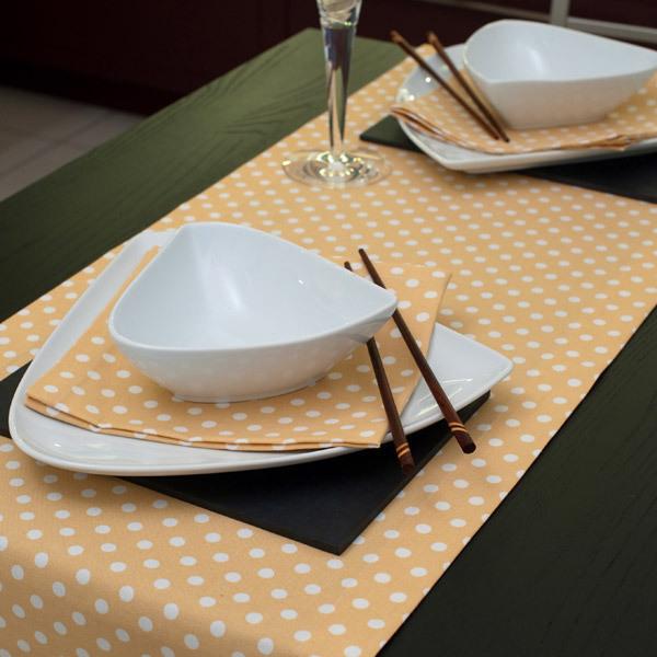 chemin de table jaune pois 40x240cm ochre ocre acheter. Black Bedroom Furniture Sets. Home Design Ideas