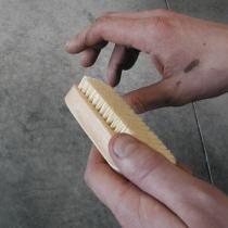 La Droguerie écologique - Hand & Fingernail Scrub Brush FSC®