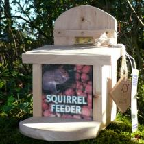 Wildlife World - Squirrel Feeder