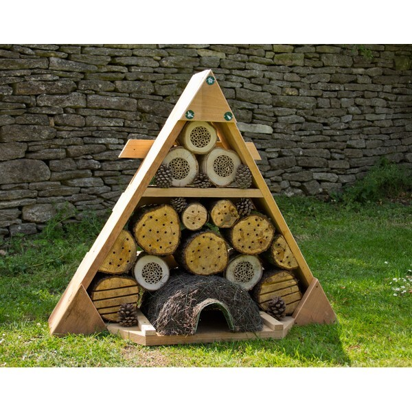 H tel triangle pour insectes solitaires wildlife world for Hotel a insecte acheter